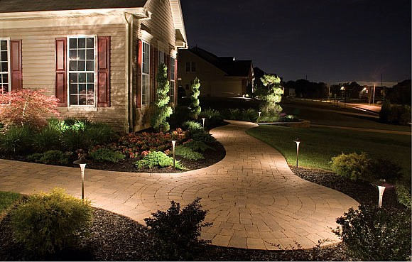 Outdoor lighting landscape lighting st louis ballwin mo outdoor lighting with kichler products photo 4 aloadofball Images